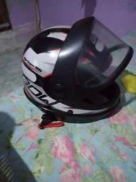 Vendo capacete.