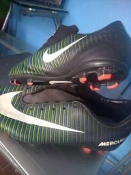 Chuteira 35/36 Nike
