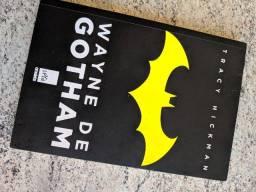 Título do anúncio: Livro Wayne de Gotham