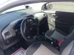 Chevrolet Spin branca muito nova
