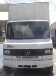 Título do anúncio: 710 Mercedes-Benz 2012 Bau seco 5.50 metros