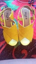 Linda sandália por 35 reais