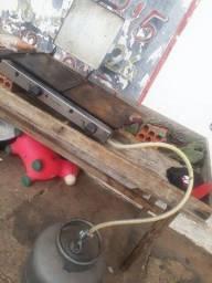 Vende-se uma chapa para lanche com a botijão de gás por 400 reais