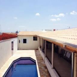 Área de lazer em Limeira, Sp piscina e churrasqueira Jd Jequitibás
