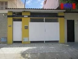 Casa com 2 quartos para alugar, próximo à Av. Jovita Feitosa