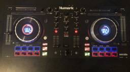 Controladora Numark Mixtrack Platinum - Nova