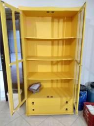 Cristaleira amarela