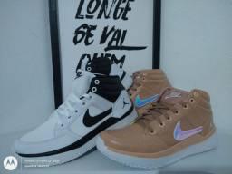 Tênis Primeira Linha Nike Jordan (Branco/Nude)