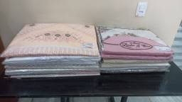 Título do anúncio: Vende-se lençol de Cama Bordado