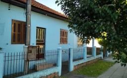 Alugo ampla casa Única no pátio em excelentes Condições - Niteroi Canoas