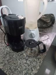 Vendo cafeteira e liquidificador