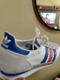 Tênis Adidas original. Novo/caixa. Aproveite!