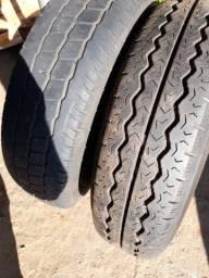 Vendo os dois pneus um com roda e outro só o pneu 195 75 16 com 8 lona pra carga