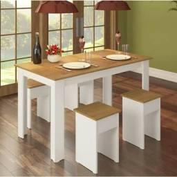 Título do anúncio: mesa com 4 baquinhos