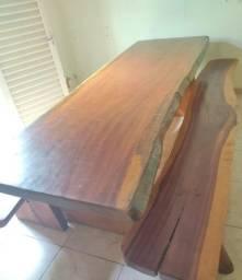 Mesa de madeira rústica 3M