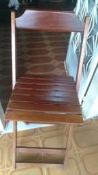 Cadeira bistro de madeira