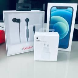 Combo iPhone 12 64gb Azul Pacifico com Carregador 20W e urBeats3 Novos/Lacrados