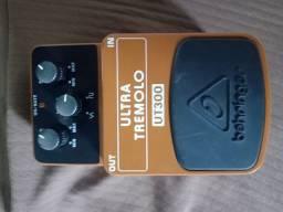 Pedal Tremolo Behringer UT300