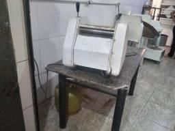 Maquinario para produzir pão