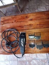 Maquina de cortar cabelo 50 reais
