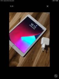 iPad  6 geração 128 gigas semi novo