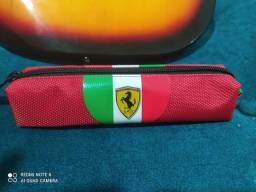 Estojo original da Ferrari com selo e certificado de 150 por 80 reais