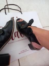 Sandália Salto grosso de COURO real
