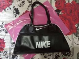 Bolsas Nike ou Puma