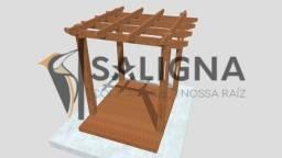 Kit pergolado 2,5x2,5m madeira de lei c/ deck Pinus Autoclavado + base.