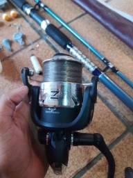 Vara de pescar nova e completa