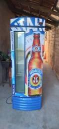 Cervejeira em ótimo estado