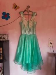 Vendo esses vestidos