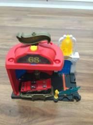 Hotweels city manobra no corpo de bombeiros mattel