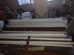 Porta de madeira inteira