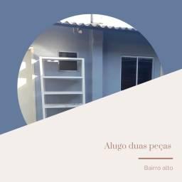 Título do anúncio: Alugo Kitnet ( para rapaz) Sem caução