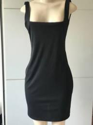 Título do anúncio: Vestido preto Costa nua