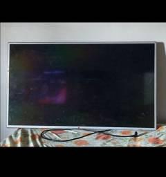 Título do anúncio: TV 42 polegada( para revenda de peças)