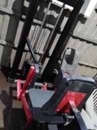 Máquina para musculação abdutora