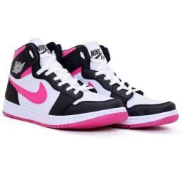 Bota Nike Jordan Feminina/Botinha para treino/ Tênis de academia n°38