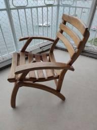Poltrona/cadeira de madeira dobrável