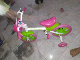 Bicicleta semi nova infantil