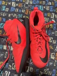 Título do anúncio: Chuteira Nike botinha