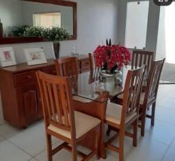 Mesa de jantar com. 6 cadeiras