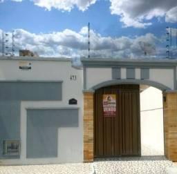Casa na rua do condomínio dos juízes, 3 quartos + dependência