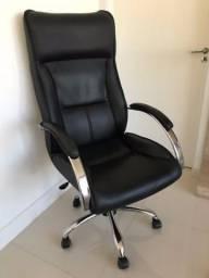 Cadeira Presidente Couro Preta