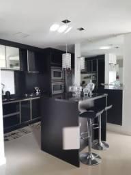 550 - Amplo apartamento de 3 quartos e suite! Sol da manhã e 2 vagas de garage...