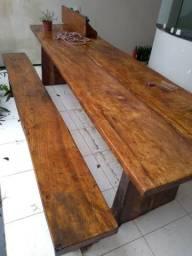 Mesa rústica madeira