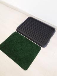 Vendo ou troco por fraldas higiênicas este tapetinho higiênico grama sintética