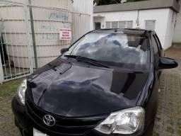 Etios sedan 1.5 X revisões na concessionária U. Dono