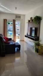 Lindo Apartamento Reformado, Varanda- Vaga de garagem, elevador, documentação Perfeita